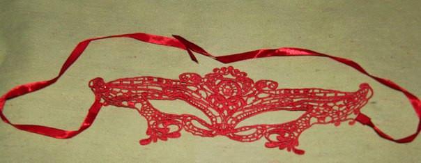 Маска ажурная кружевная карнавальная для эротических игр красная