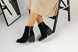Зимние женские ботинки, замшевые, черные, на меху, с замочками, на небольшом устойчивом каблуке, фото 4