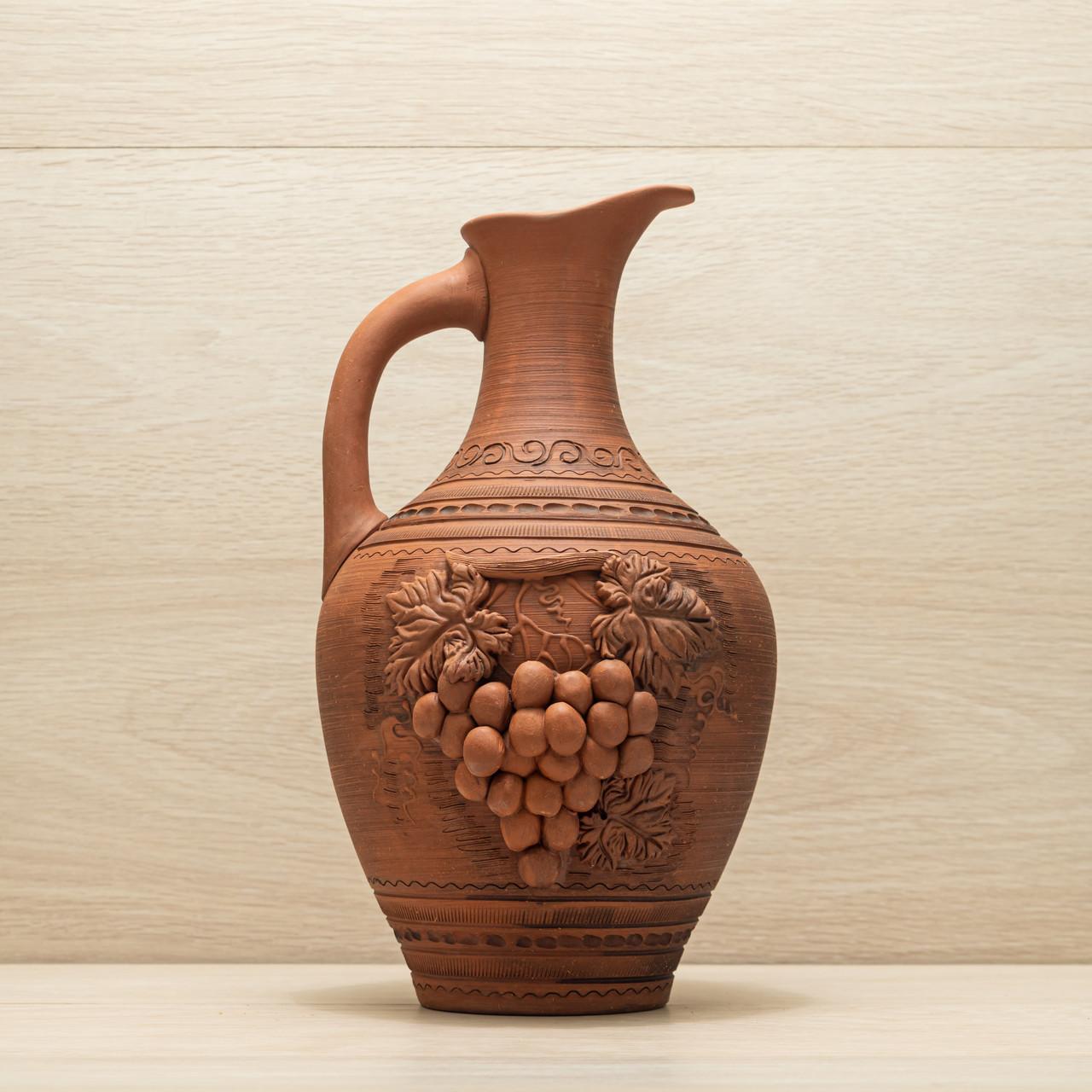Кувшин из красной глины 3,5л лепка Виноград, в/п глазурь