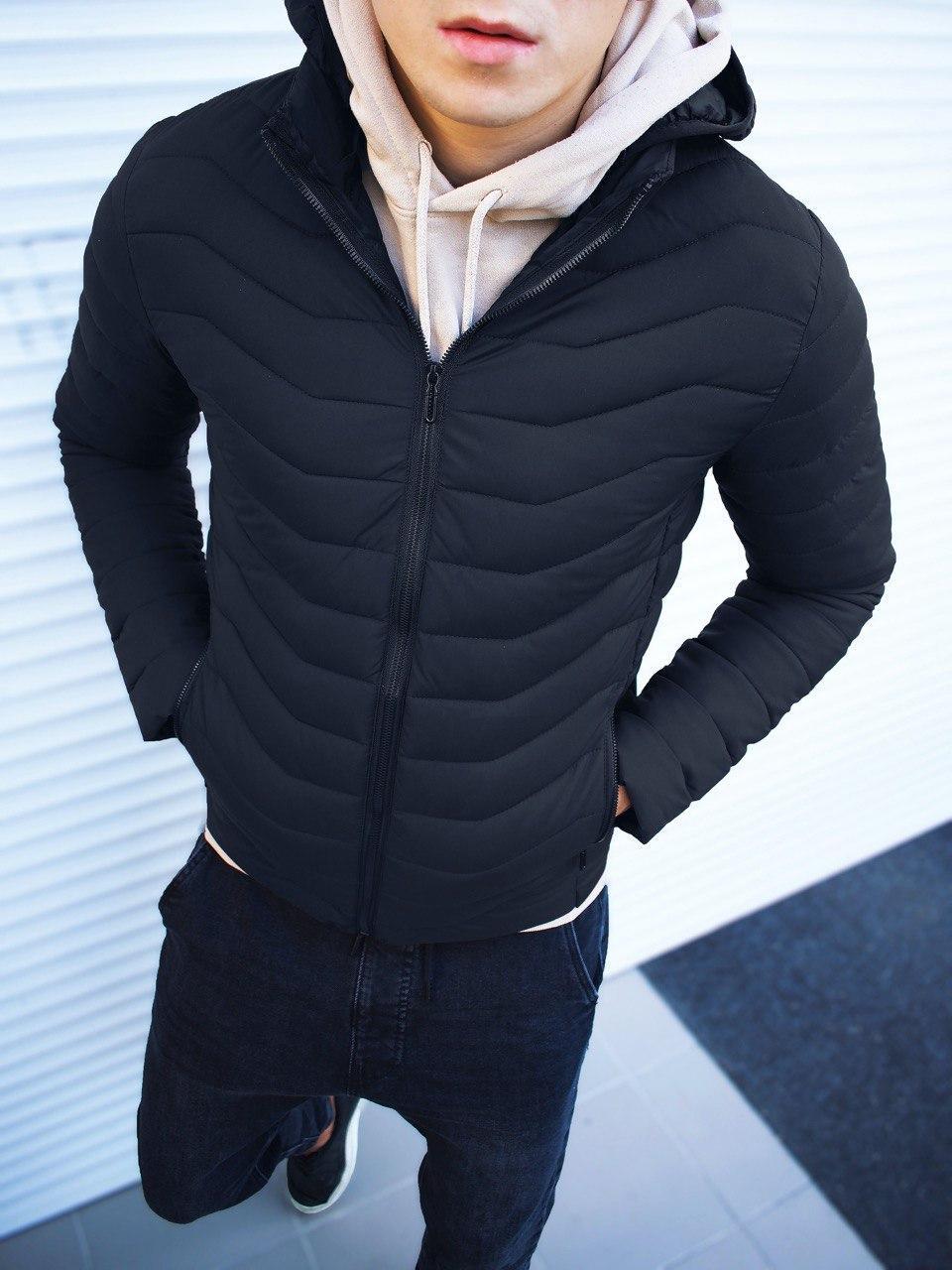 Мужская куртка капюшон стеганая черная