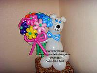 Мишка из шаров с цветами