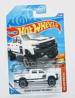 Машинка Hot Wheels '19 CHEVY SILVERADO TRAIL BOSS LT