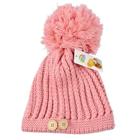 Женская шапка с большим бубоном