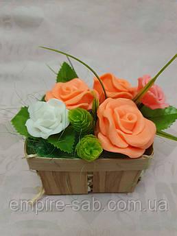Букет из роз в корзинке