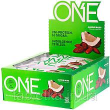 One Brands, Батончик ONE, миндальное наслаждение, 12 батончиков по 60 г (2,12 унций)