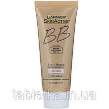 Garnier, SkinActive, корректирующий BB-крем 5 в 1 «Волшебная кожа», антивозрастной, светлый/средний, 75 мл