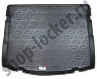 Коврик в багажник на Toyota Auris hb (06-) 3-)
