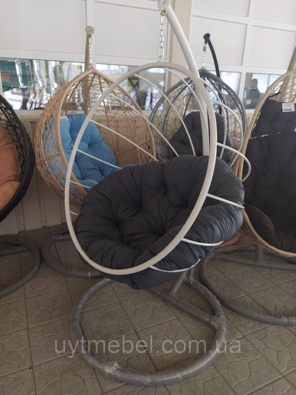 Підвісне крісло в Києві зі стійкою білий/сірий (Арт-пуф)