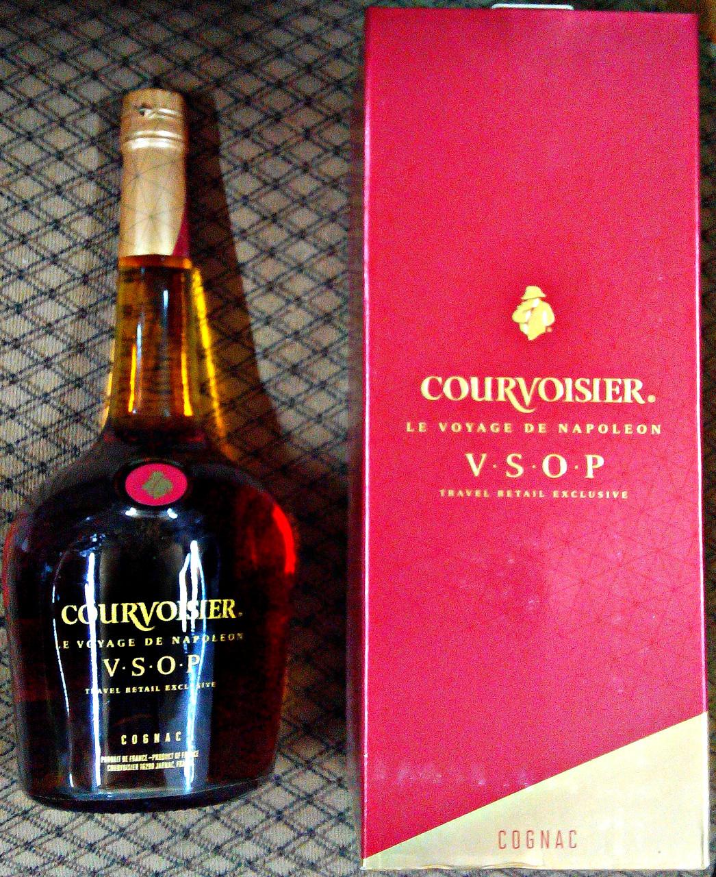 Французский коньяк Courvoisier VSOP 1л Red Edition в подарочной упаковке
