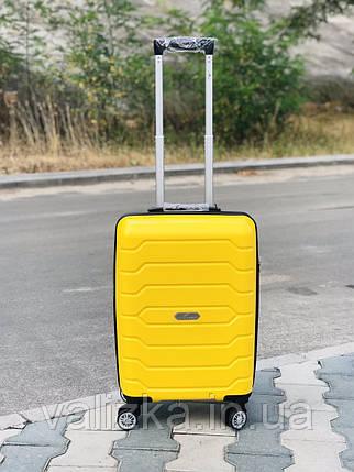 Чемодан из полипропилена пластиковый маленький  желтый для ручной клади Snowball Франция, фото 2