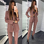 Классический женский брючный костюм с зауженными штанами и пиджаком 83101104, фото 3