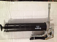 Шприц для змащування пістолетного типу 500 мл з металевою трубкою ( до 345 бар, картридж 400гр)