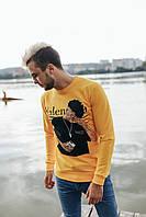 Яркий желтый мужской свитшот с рисунком