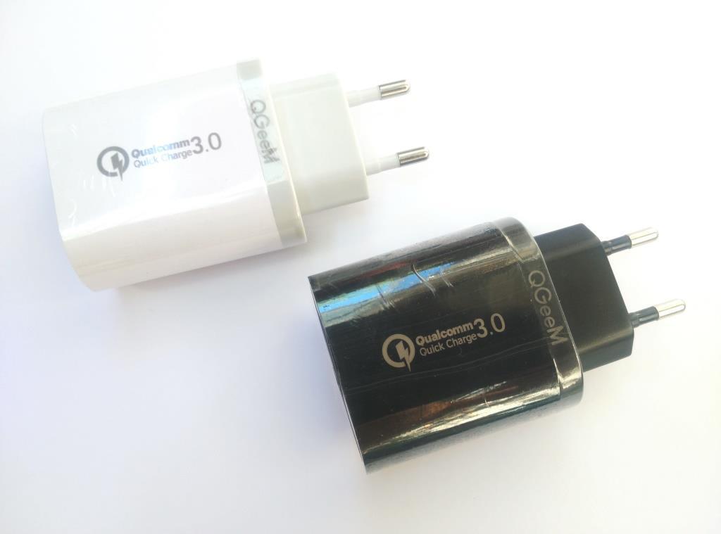 Сетевой адаптер зарядка с 3 USB QGeeM