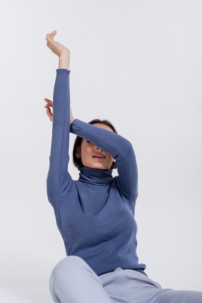 Гольф в рубчик цвет джинс женский вязаный