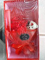 Букет из роз- ароматизированное мыло с игрушкой 1103