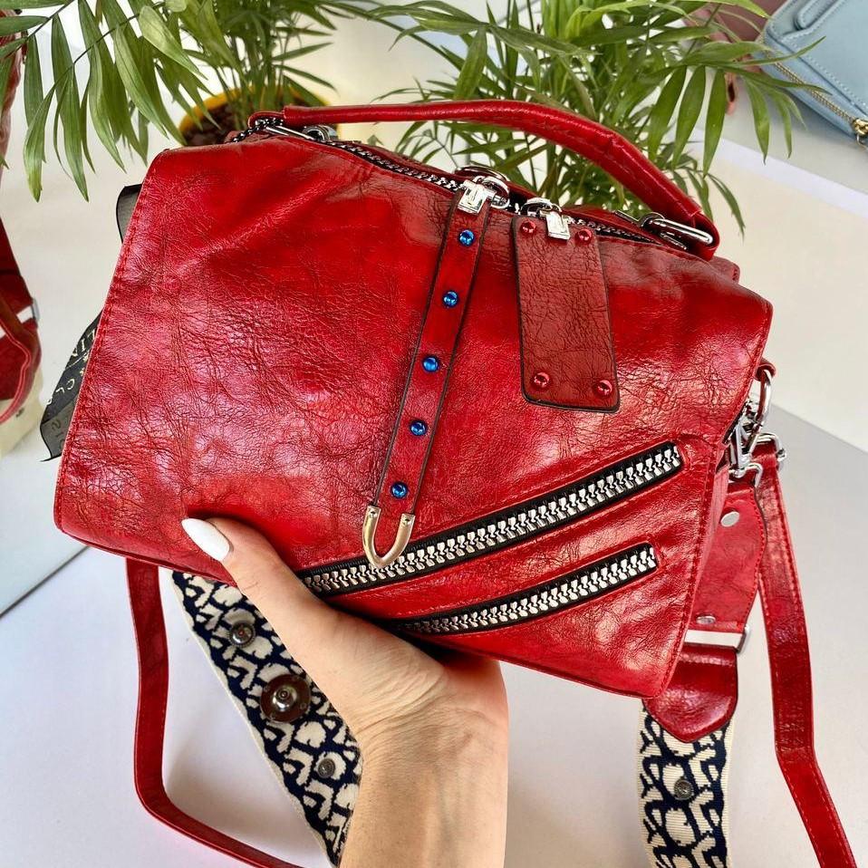 Женская сумка Valery с широким ремешком красная СВ96