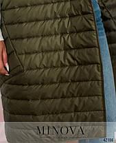 Длинная женская жилетка на синтепоне с капюшоном цвет хаки, больших размеров от 48 по 66, фото 2