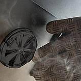 Коптильня газовая вертикальная с крючками и решеткой для мяса и термометром в черном цвете Broil King 923613, фото 3