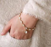 """Изящные браслеты с подвеской """"Сердце"""" в золотой оправе с белыми камнями"""