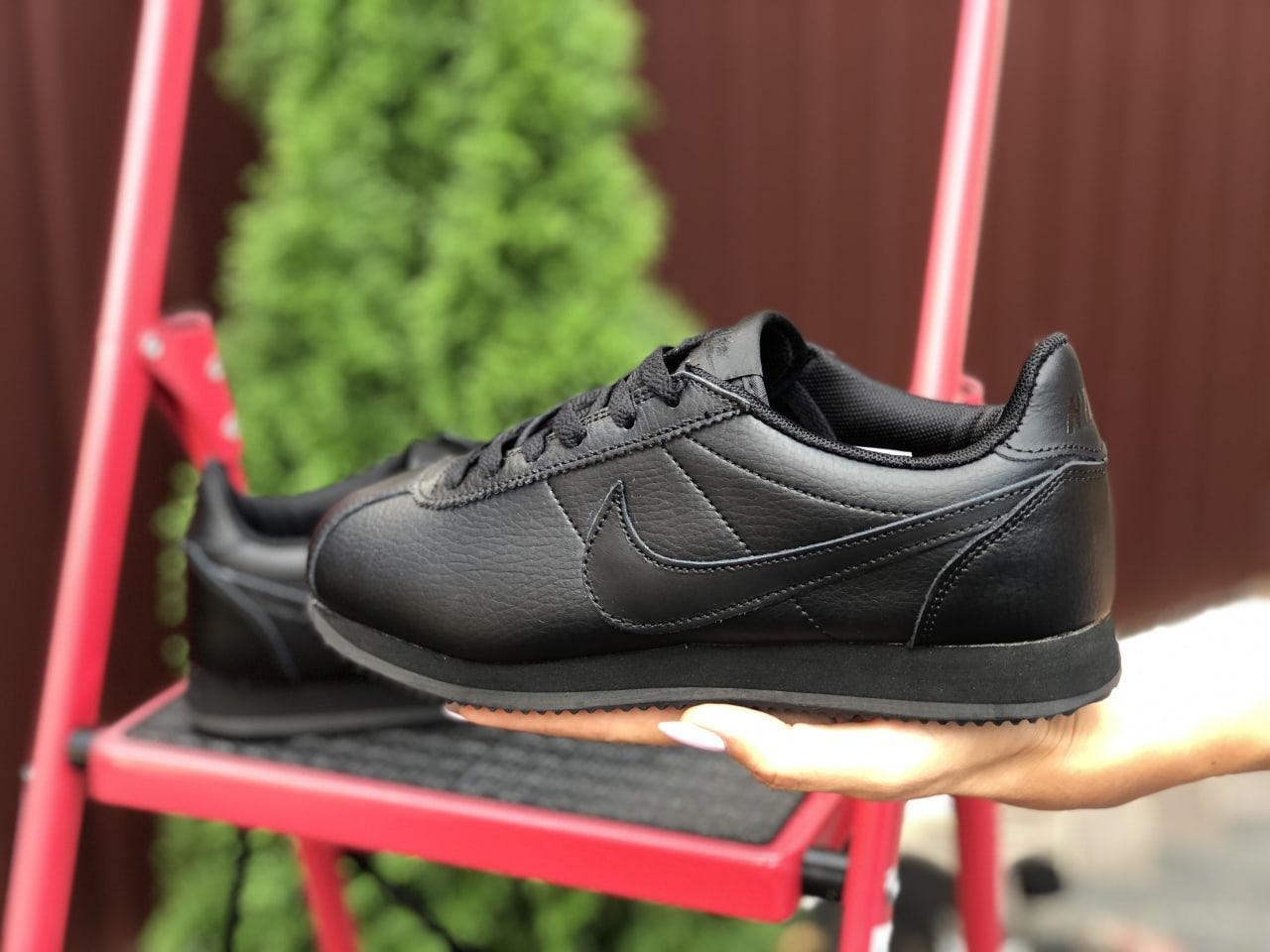 Стильные женские кроссовки черного цвета с 36 по 41 размер