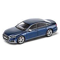 Масштабна модель Audi S8, Navarra blue, Scale 1:43, артикул 5011818131