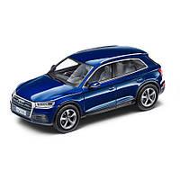 Модель автомобіля Audi Q5, Scale 1:43, Navarra Blue, артикул 5011605632