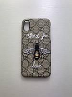 Чехол на Айфон Iphone 7/8/SE2020 серый с принтом бренда Gucci Гуччи пчела