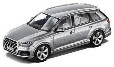 Модель автомобіля Audi Q7, Floret Silver, Scale 1:43, артикул 5011407613