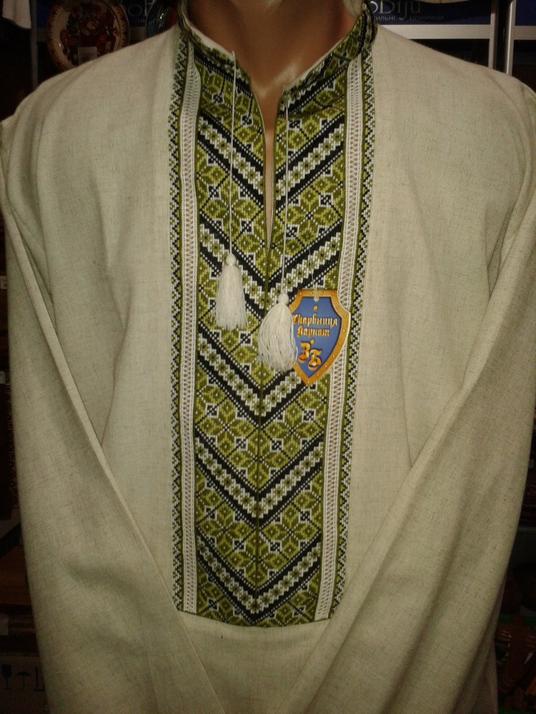 Лляна чоловіча вишиванка з зеленим орнаментом  продажа 700dfcb3dfa8c