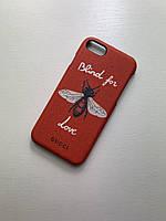 Чехол на Айфон Iphone 7/8/SE2020 красный с принтом бренда Gucci Гуччи пчела
