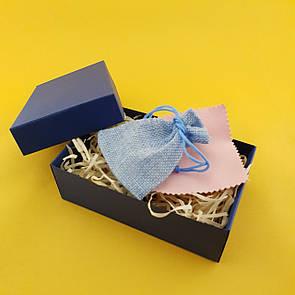 Мужская подарочная коробочка с мешочком из мешковины, древесным наполнителем и бантом из бичёвки