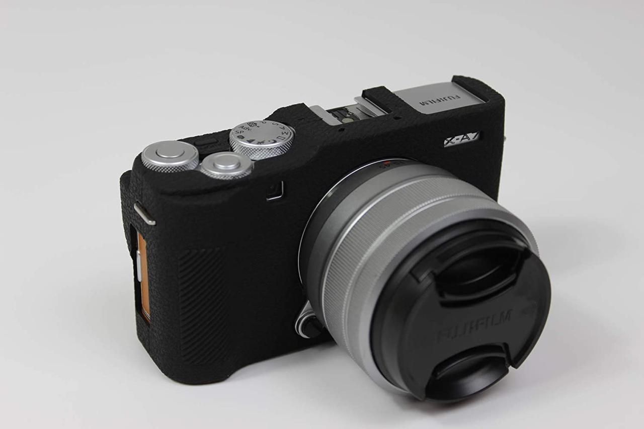 Защитный силиконовый чехол для фотоаппаратов FujiFilm X-A7 - черный