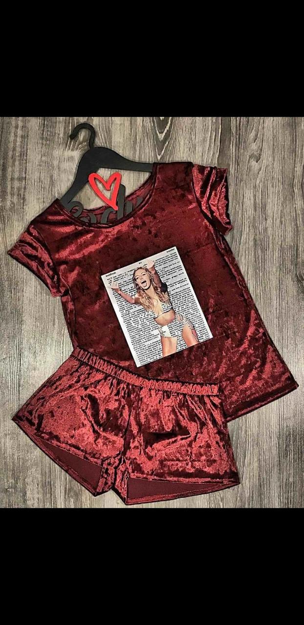 Бордовая пижама из велюра футболка шорты.