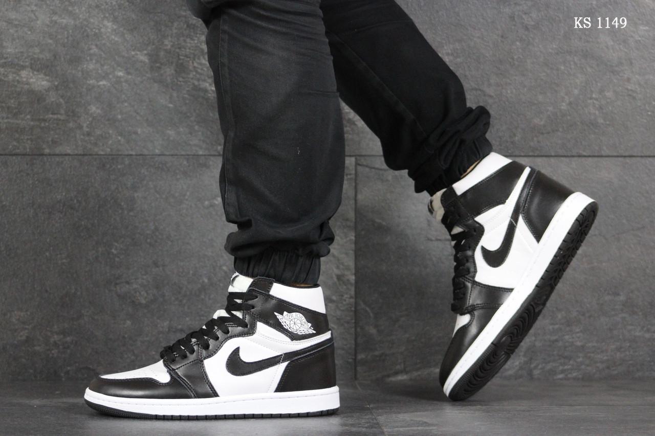 Мужские кроссовки Nike Air Jordan 1 Retro High OG (черно/белые)