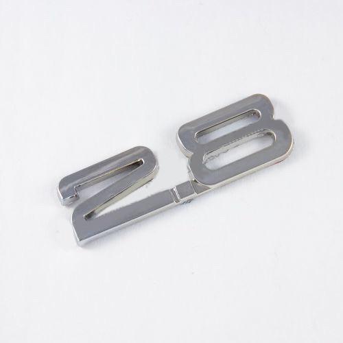 Емблема шильдик напис на багажник 2.8