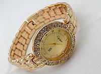 Стильные женские часы Cartier - цвет золото