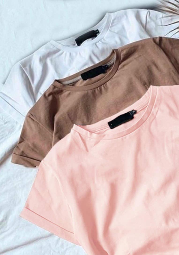 Набір жіночих футболок (3 шт.)