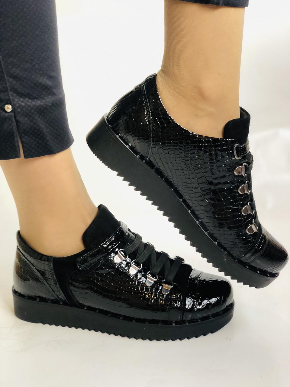 Зручні жіночі осінні туфлі. Натуральна лакована шкіра. Mamamia. Туреччина. 36-40 Vellena