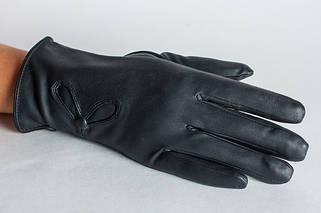 Перчатки из кожзама