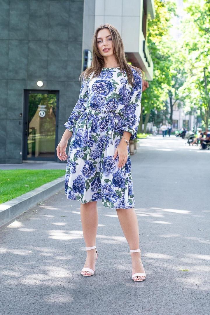 Платье летнее приталенное средней материал софт размер универсальный синие цветы на белом