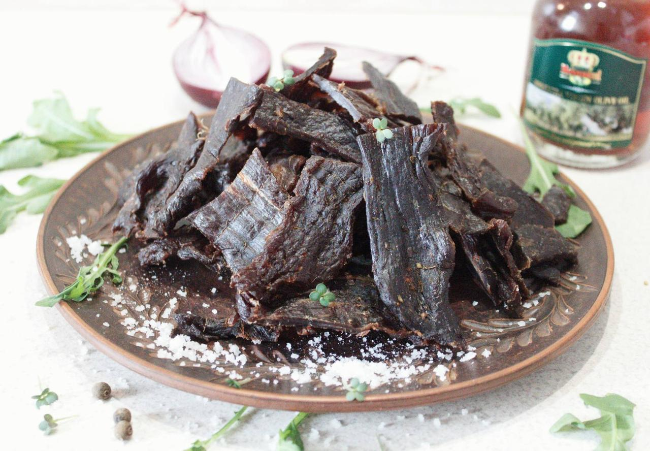 Снек з яловичини - в'ялена яловичина БІЛТОНГ від виробника