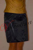 Прямая черная юбка