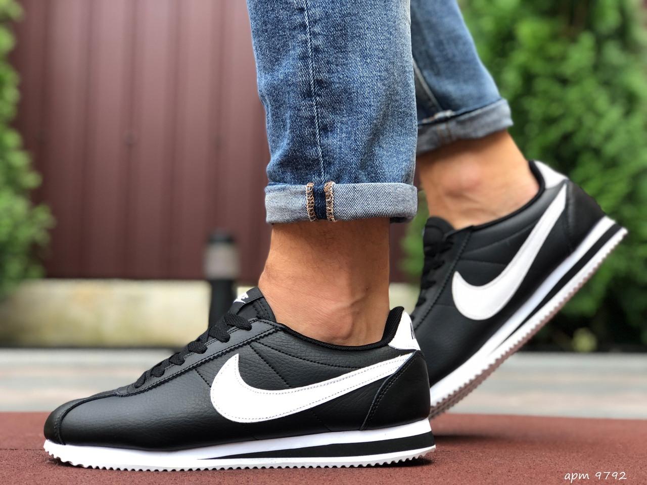 Чоловічі кросівки Nike Cortez чорні з білим