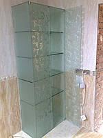 Цельностеклянный бескаркасный шкаф