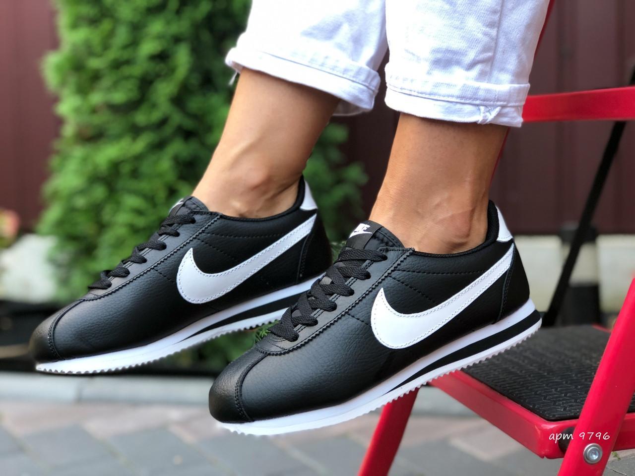 Женские кроссовки Nike Cortez (черно-белые) 9796