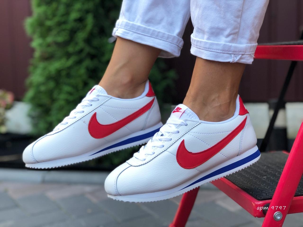 Женские кроссовки Nike Cortez (бело-красные с синим) 9797