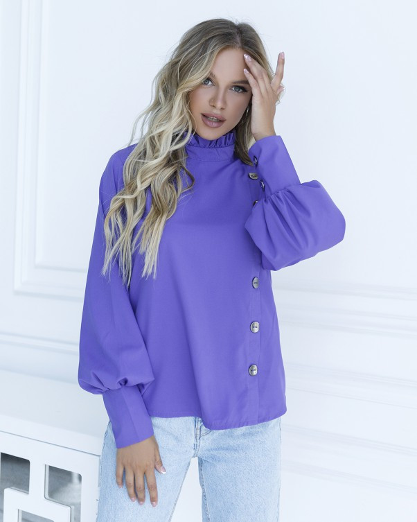 Фиолетовая блуза с вставкой и рюшами