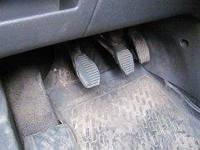 Переваги і недоліки гумових і тканинних килимків для автомобіля