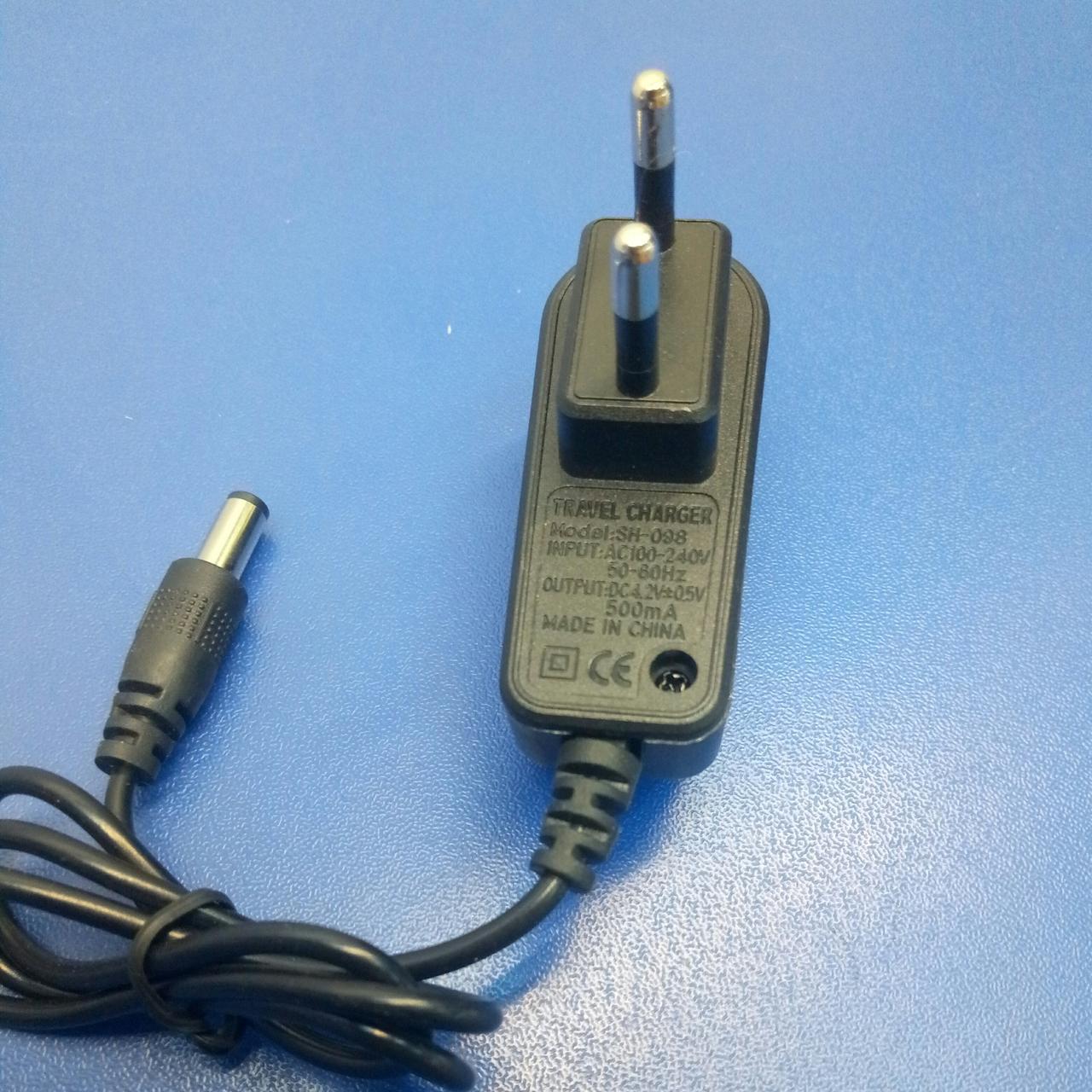Зарядное устройство SH-098 3,6V 200mA 3,5х1,35.  ЗУ Li-ion АКБ унив к фонарикам